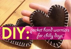 DIY Pocket hand warmers for chilly days - great use of scrap fabric! Cute gift idea for those friends/family members whose hands are always cold, people who go on long fall & winter walks with their pups, kiddos who always complain about cold hands, etc. Diy Gifts For Kids, Easy Diy Gifts, Simple Gifts, Homemade Gifts, Simple Diy, Holiday Gift Guide, Holiday Gifts, Christmas Gifts, Christmas 2017