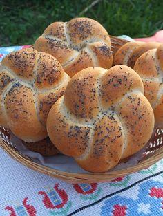 Bread Recipes, Cooking Recipes, Ring Cake, Bread Rolls, Garlic Bread, Winter Food, Bagel, Scones, Baked Goods