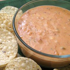 serranos copycat bean dip 1 can refried beans 1/4 cup sour cream 1/4 cup salsa 1/2 cup shredded Mexican cheese Heat first three items together until bubbly. Add cheese, and enjoy warm