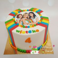 Kindertaarten meisjes - Juffrouw taart winsum Birthday Cake, Desserts, Food, Birthday Cakes, Meal, Deserts, Essen, Hoods, Dessert