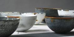 Helen Carnac - The New Craftsmen Ceramic Clay, Ceramic Plates, Arts And Crafts House, Craft Shop, Pottery Art, Pottery Ideas, Contemporary Artists, Decorative Bowls, Sculptures