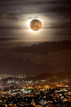 """Supermoon"", Photography by Marco Guinter in Rio de Janeiro, Brazil. Beautiful Moon, Beautiful Places, Places Around The World, Around The Worlds, Moonlight Photography, Image Nature, Shoot The Moon, Moon Pictures, Good Night Moon"