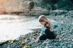 The Baretta Family | Whytecliff Park, West Vancouver BC | Vancouver Family PhotographerHas spring finally sprung? Gosh I hope so. I can't take anymore rain! I was spoiled on Sunday night with my first outdoor family photography session of the season. We met up in West Vancouver at Whytecliff Park…