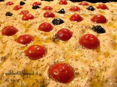 Focaccia con farro, pomodorini e mozzarella