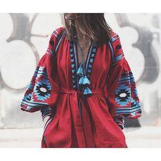 For the❣of the folk tunincs @vitakin_originals Morocco Fashion, Boho Fashion, Fashion Looks, Fashion Outfits, Hippie Chic, Boho Chic, Ukrainian Dress, Moda Boho, Mexican Dresses