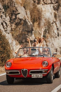 Pin by classic car news pics and videos on alfa romeo classic cars Alfa Romeo Cabrio, Summer Aesthetic, Retro Aesthetic, Retro Cars, Vintage Cars, 70s Cars, Maintenance Automobile, Logo Garage, Garniture Automobile