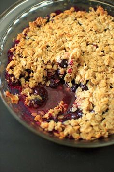 Blueberry crisp crumble with an oat and coconut oil topping. Healthy and fruity dessert that's gluten-free and vegan-friendly.