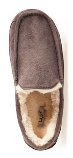 UGG slippers for men  http://rstyle.me/n/tfjv2pdpe