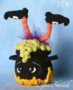 Dulceros Halloween, Adornos Halloween, Halloween Crochet Patterns, Crochet Patterns Amigurumi, Halloween Knitting, Crochet Toys, Crochet Fall, Holiday Crochet, Mug Rug Patterns