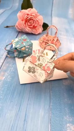 Paper Crafts Origami, Paper Crafts For Kids, Origami Paper, Diy Paper, Dollar Origami, Diy Crafts Hacks, Diy Crafts For Gifts, Creative Crafts, Diys