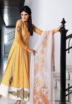 Yellow Pakistani shalwar kameez that's trendy right now.