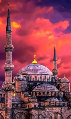beautiful mosques around the worlds ; beautiful mosques at night ; Beautiful Mosques, Beautiful Buildings, Beautiful Places, Turkish Architecture, Mosque Architecture, Turkey Destinations, Photo Deco, Beau Site, Istanbul Travel