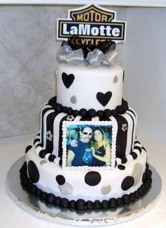 harley davidson wedding cake | Cake Gallery :: Bridal/Wedding Cakes :: CIMG1948
