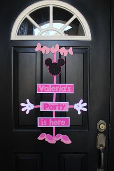 Minnie Mouse Birthday Party Door Sign by ColorfulParties on Etsy, $16.00
