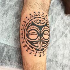 Começando mais um fechamento de perna. tiki. #maoritattoo #maori #polynesian #tatuagemmaori #tattoomaori #polynesiantattoos #polynesiantattoo #polynesia #tattoo #tatuagem #tattoos #blackart #blackwork #polynesiantattoos #marquesantattoo #tribal #guteixeiratattoo #goodlucktattoo #tribaltattooers #tattoo2me #inspirationtatto #tatuagemmaori #blxckink #tiki