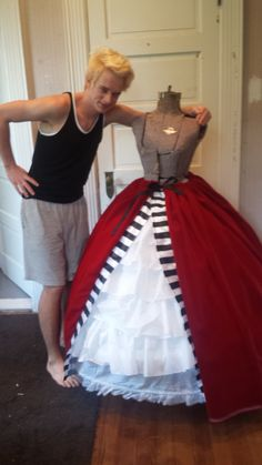 Alice In Wonderland Queen Of Hearts Costume Diy Commissions cafe