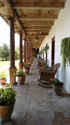 Corredor Patio Design, Exterior Design, Garden Design, House Design, Hacienda Style Homes, Mission Style Homes, Colonial House Plans, Traditional House Plans, Outdoor Landscaping