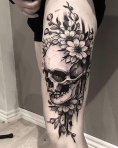 Tattoos on back Floral Skull Tattoos, Skull Thigh Tattoos, Skull Tattoo Flowers, Skeleton Tattoos, Skull Tattoo Design, Foot Tattoos, Body Art Tattoos, Mexican Skull Tattoos, Tatoos
