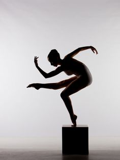 I like this.. Because it looks like a statue.. Could do the same.. In a unitard