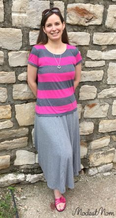 Modest Monday and Link up! Casual maxi skirt outfit for summer - women fashion