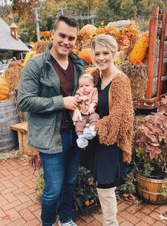 Kelton & Josie with their daughter Willow
