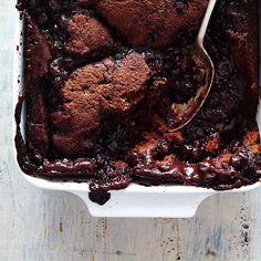 Pouding au chocolat et aux bleuets | Ricardo Cobbler, Blueberry, Muffins, Recipies, Deserts, Eat, Cooking, Food, Puddings