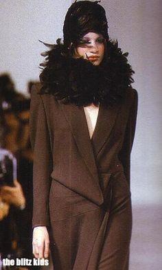 1987-88 - John Galliano show