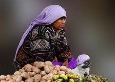 POTATO SELLERS - BHUTAN