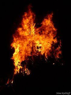 The fire at Sirni Zagovezni by mimikalcheff93, via Flickr