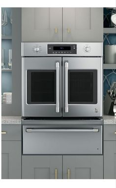 Oven with french doors, and warming drawer - GE #FutureHomeAppliances