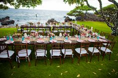 love this table set up- that way everyone can see each other #wedding