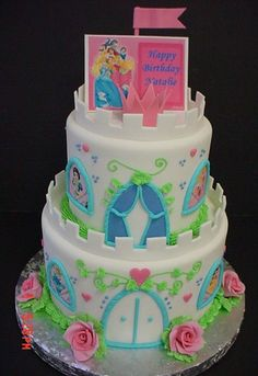 Disney Princess - This one all made out of fondant, no plastic toys