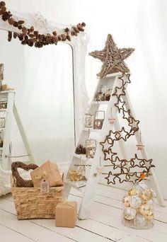 Ideas para decorar la Navidad con escaleras de mano - Contenido seleccionado con la ayuda de http://r4s.to/r4s