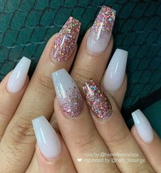 Awesome coffin nails are the hottest nails now. - Awesome coffin nails are the hottest nails now. We collected of the most popular coffin nails. Gold Acrylic Nails, Summer Acrylic Nails, Rose Gold Nails, Sparkle Nails, Nail Art Rose, White Gold Nails, Summer Nails, Glitter Tip Nails, Nail Pink