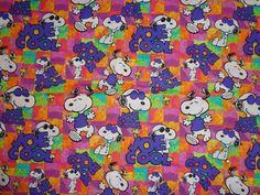 He encontrado este interesante anuncio de Etsy en https://www.etsy.com/es/listing/193731638/snoopy-joe-cool-fabric-by-the-half-yard