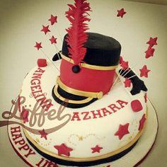Majorette cake