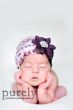 Love the baby beanie on this sweet lil baby.  Gotta find a beanie like this, possibly in the future.