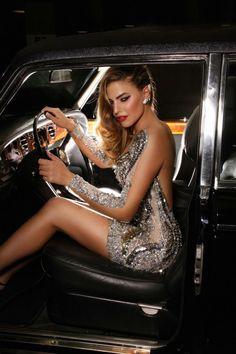 wowwww, what a sexy sparkly dress