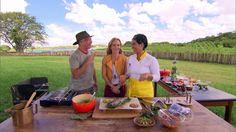 Delícia! Aprenda receita do peixe assado da chef Ana Luiza Trajano http://gshow.globo.com/programas/estrelas/videos/t/programas/v/delicia-aprenda-receita-do-peixe-assado-da-chef-ana-luiza-trajano/4346888/