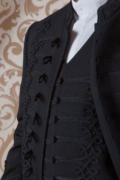 Mellény dupla zsinórozással Pagan Fashion, Mens Fashion, Wedding Men, Wedding Suits, Black Parade Jacket, Folk Clothing, Hungarian Embroidery, Couture, Vintage Outfits