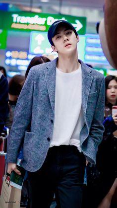 181119 - EXO Sehun at ICN airport departure for Taipei, TAIWAN (TPE) to film the new reality show with the other members. Luhan, Sehun Hot, Exo Kai, Sehun Vivi, Kpop Exo, Kris Wu, Z Cam, Kim Minseok, Exo Ot12