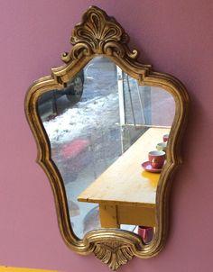 kultakehyksinen peili 70 luvulta . korkeus 65cm  . leveys 42cm . #kooPernu