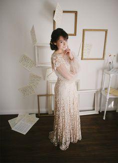 Vintage 1930s Lace Wedding Dress by Martha Weathered / Size Medium Large / Graceful Duchess Wedding Dress