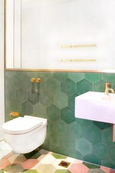 Tiles : Green Bathroom Tile Stickers Bathroom With Dark Green Tile Floor Green Bathroom Tile Images Green Wall Made Of Beautiful Tiles In This Occasion Hexagons The Combination With Green Tile Bathroom Green Bathroom Tile Paint' Green Tile Bathroom' Green Bathroom Trends, Bathroom Inspo, Bathroom Inspiration, Bathroom Interior, Bathroom Ideas, Bathroom Renovations, Design Bathroom, Bathroom Makeovers, Baths Interior