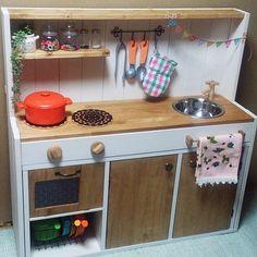 女性で、2LDKのセリア/カラーボックス/ままごとキッチン/DIYについてのインテリア実例を紹介。「姪っ子チャンへのお誕生日プレゼント♬」(この写真は 2014-06-08 22:12:56 に共有されました)