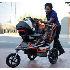 The Expedition jogging #stroller features large bicycle tires and a front swivel #wheel that can be unlocked for low speed maneuvering or locked into place for #jogging. http://pickmybabycare.com/