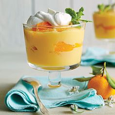Tangerine Pudding - Sweet on Citrus Desserts - Southernliving. Recipe: Tangerine Pudding You'll need about six to eight tangerines for the two cups of juice in this recipe. Feel free to substitute any variety of oranges or mandarins if you'd like. Pudding Desserts, Köstliche Desserts, Pudding Recipes, Delicious Desserts, Dessert Recipes, Spring Desserts, Filipino Desserts, Dessert Party, Fruit Dessert