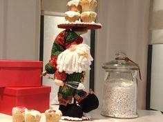 Manualidades y Artesanías | Papá Noel de tela | Utilisima.com Christmas Pasta, Christmas Crafts, Christmas Decorations, Pasta Flexible, Cold Porcelain, Xmas Tree, Happy Mothers, Santa, Home Decor