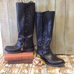 Black laced boots for fall. Adjusts for wider calves Carherinecole.com