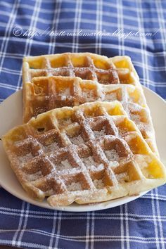 Waffle II revenge: the softest, tastiest. In a word: delicious! ® - Trattoria da Martina - traditional, regional and ethnic Bakery Recipes, Waffle Recipes, Dessert Recipes, Sweet Cooking, Cooking Time, Just Desserts, Delicious Desserts, Beignets, Nutella